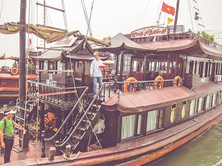 Ha Long Bay Junk Boat Cruise