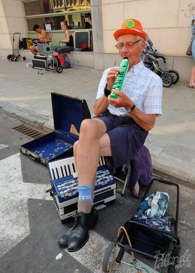 Street performer at Gentse Feesten