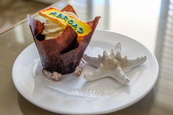 Surf & Sand Resort Cupcake