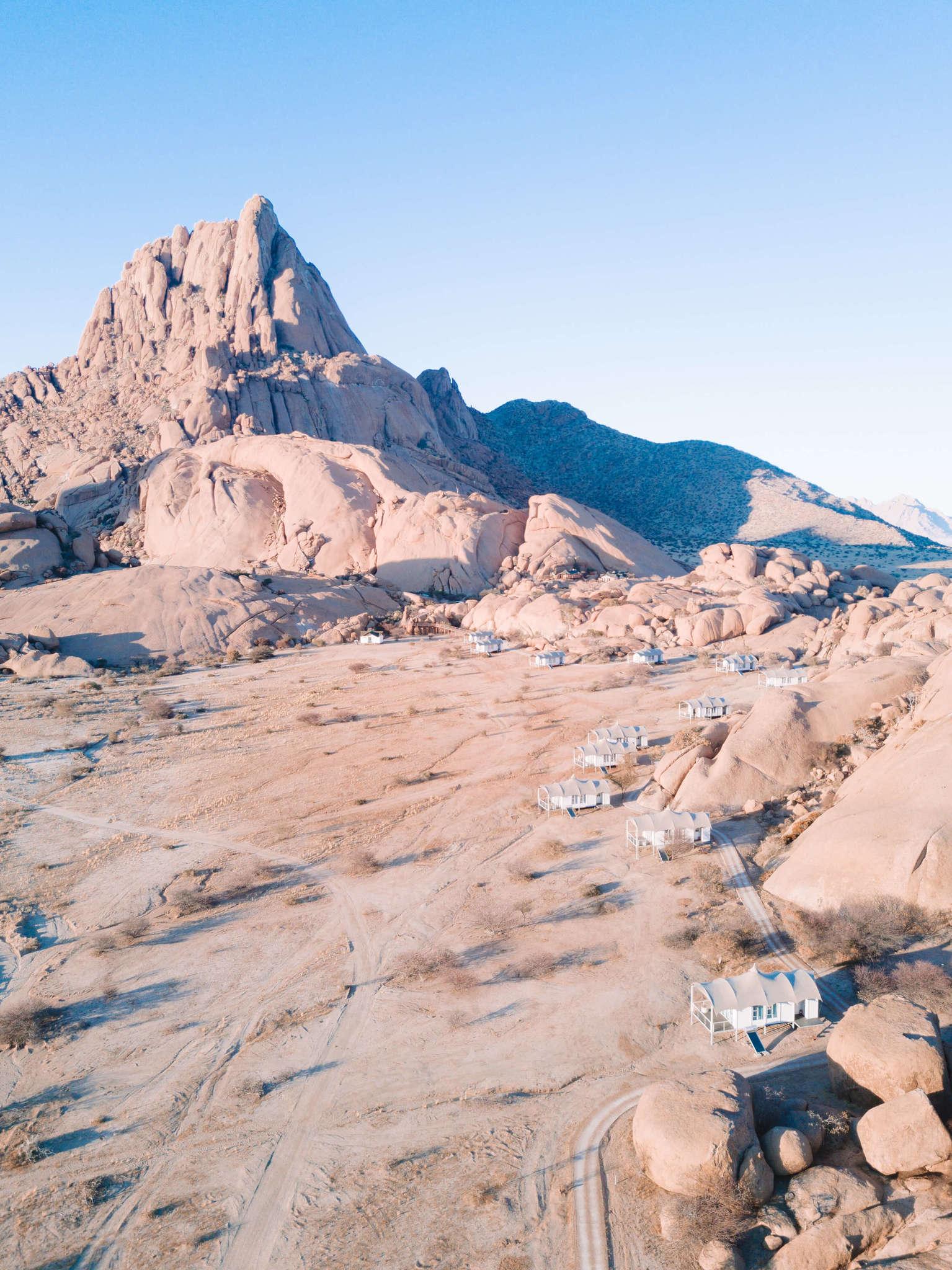 rocks of Spitzkoppen Lodge