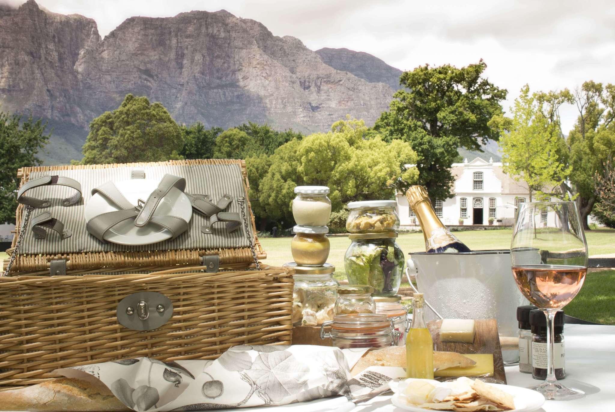 Boschendal Picnic in Stellenbosch Winelands