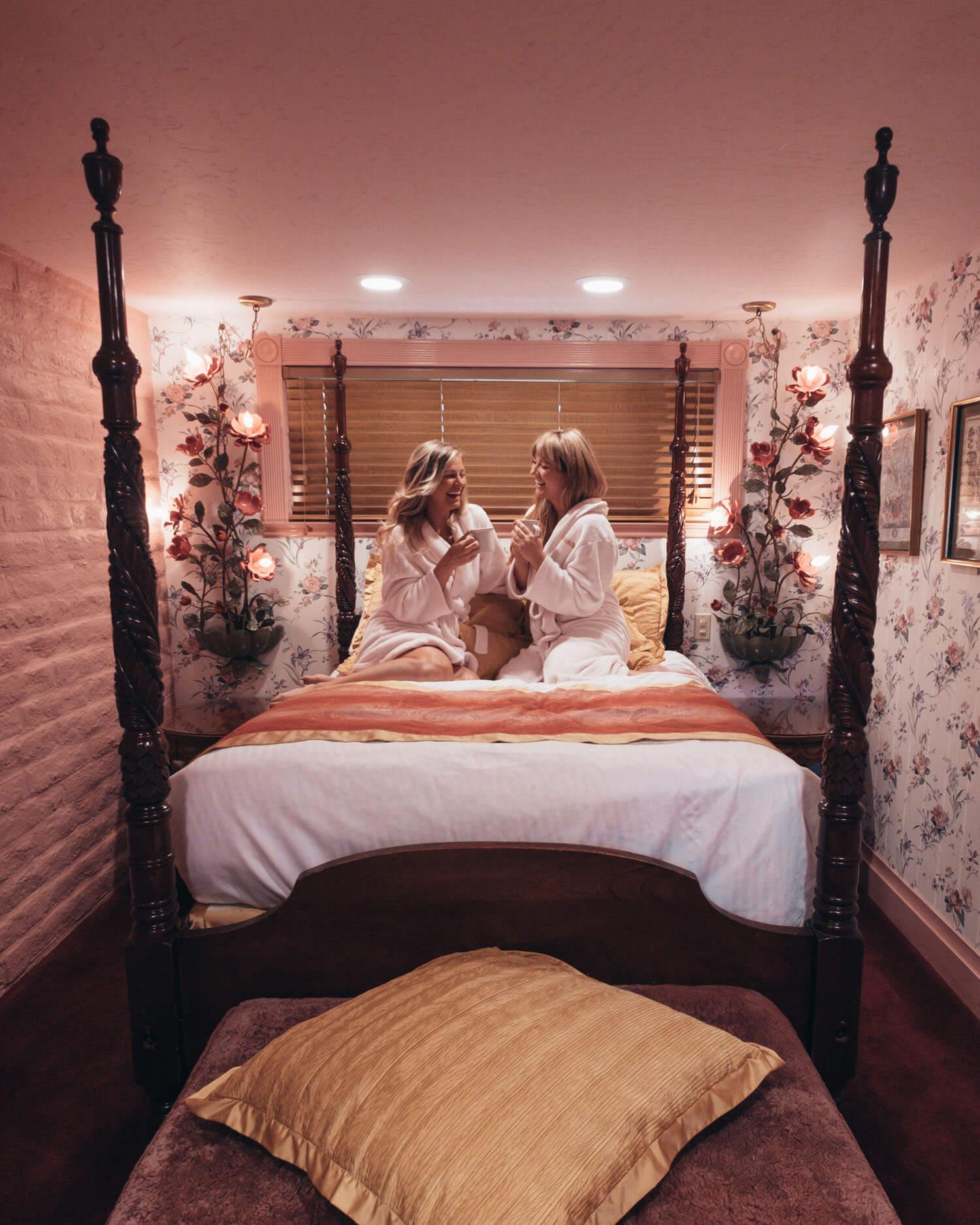 Victoria Gardens Pink Room