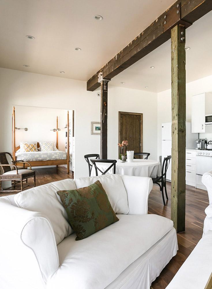Rustic-Malibu-Home_side-left ▷ El mejor Airbnbs en los Estados Unidos