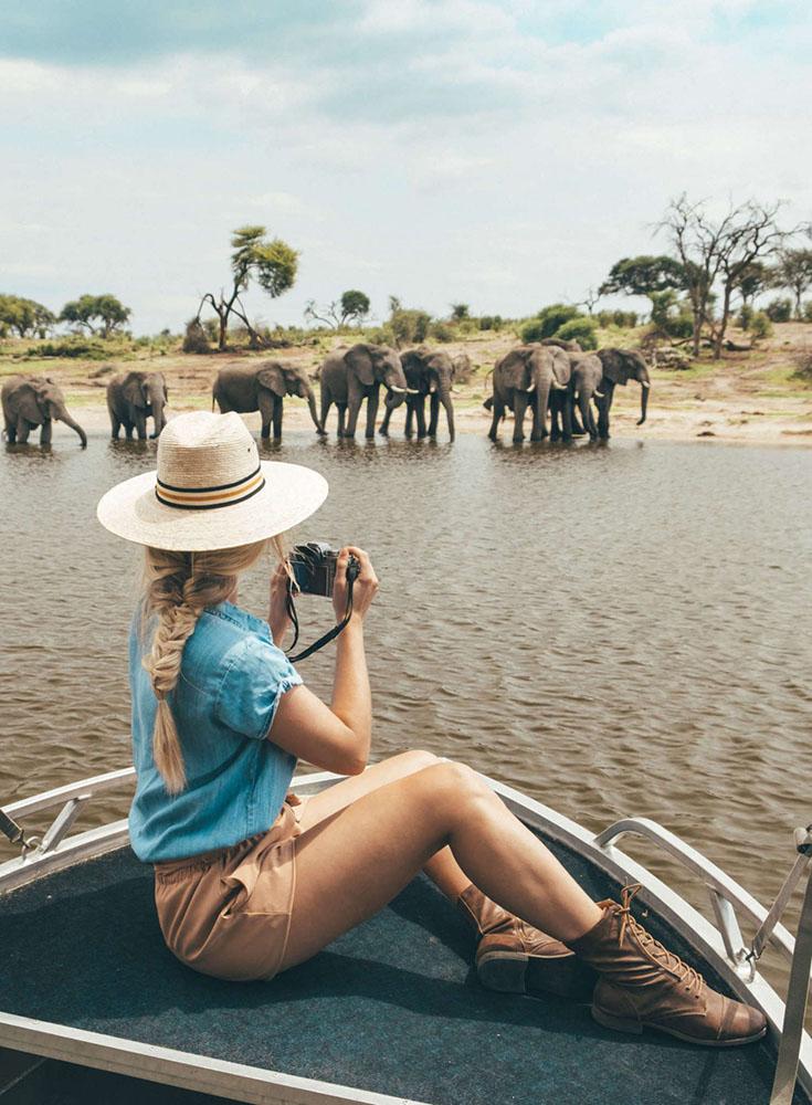 Blonde at Meno a Kwena in Botswana e1547913790904