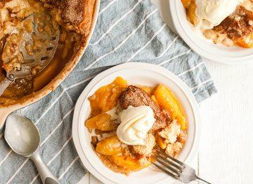 Homemade Peach Cobbler Recipe