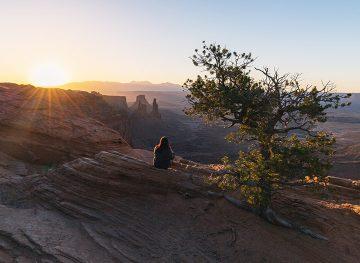 Canyonlands National Park - Sunrise near Mesa Arch(1)