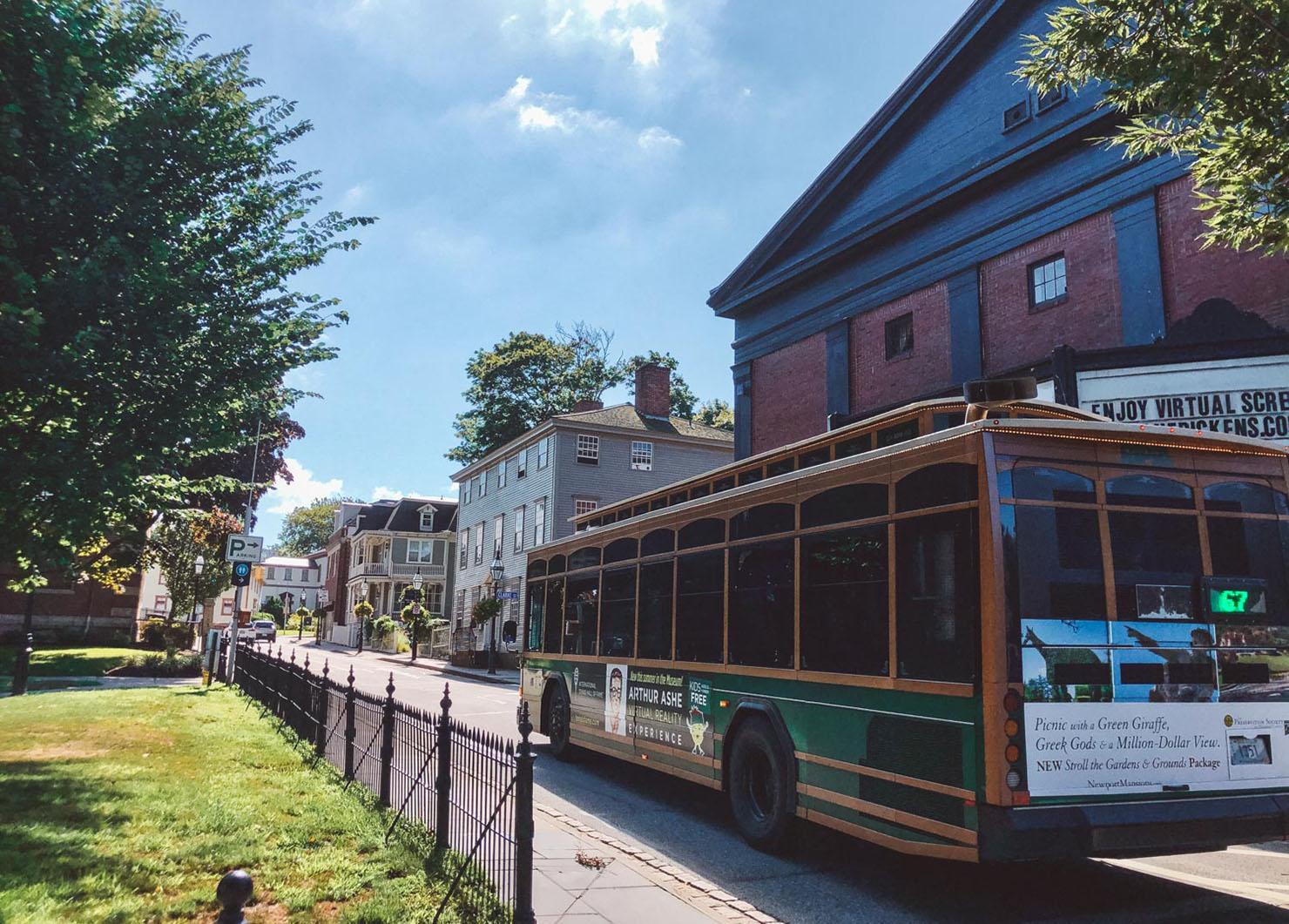 RIPTA 67 Line Trolley