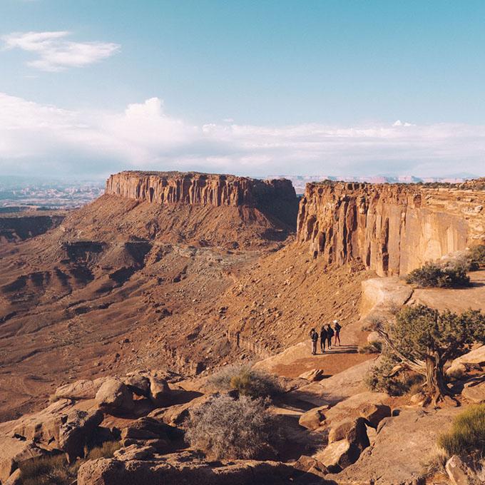 O melhor guia de bem-estar e caminhadas para Moab, Utah • The Blonde Abroad 19