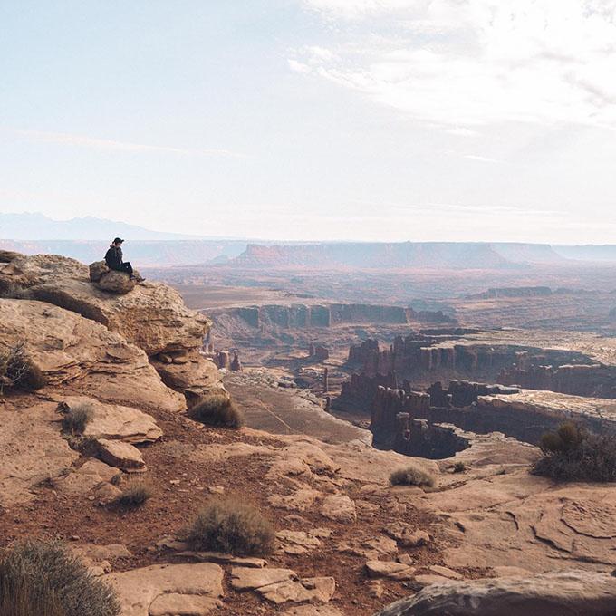 O melhor guia de bem-estar e caminhadas para Moab, Utah • The Blonde Abroad 20