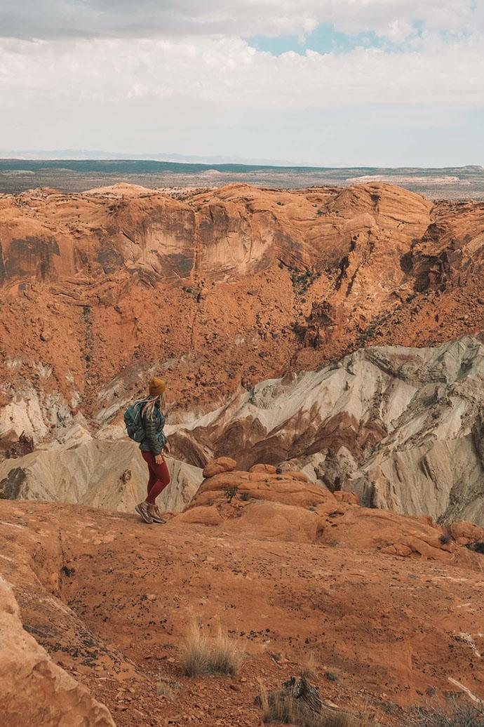 O melhor guia de bem-estar e caminhadas para Moab, Utah • The Blonde Abroad 21