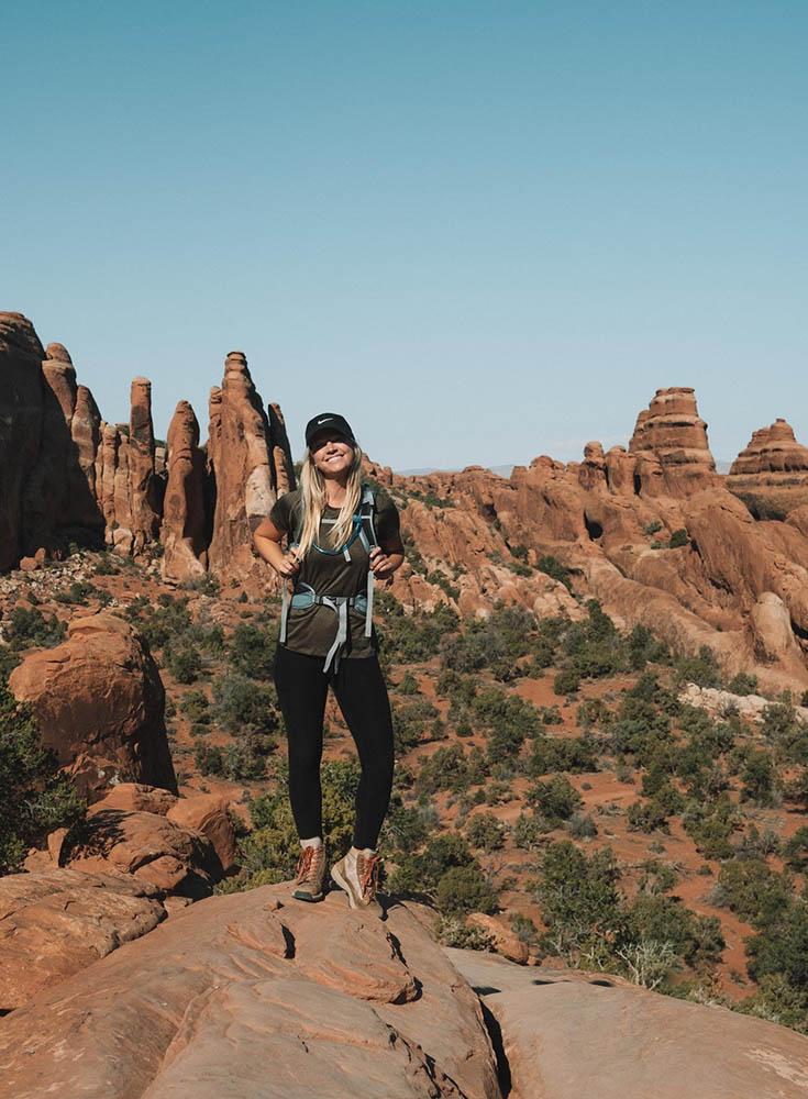 O melhor guia de bem-estar e caminhadas para Moab, Utah • The Blonde Abroad 23