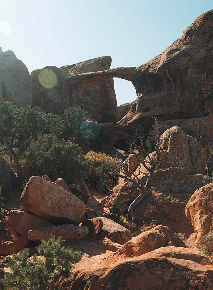 O melhor guia de bem-estar e caminhadas para Moab, Utah • The Blonde Abroad 24