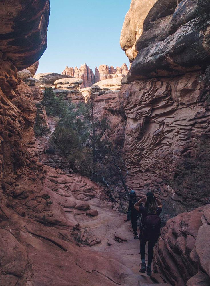 O melhor guia de bem-estar e caminhadas para Moab, Utah • The Blonde Abroad 29