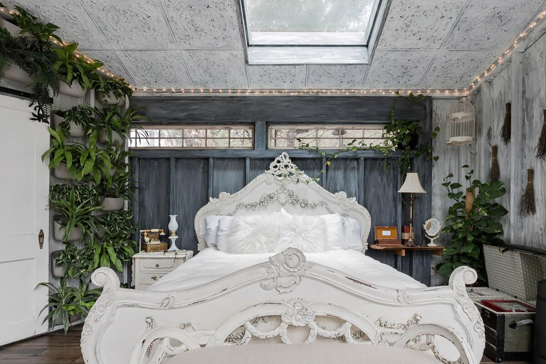enchanting treehouse south carolina wadmalaw island airbnb